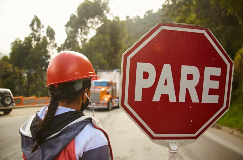 Atento con restricciones a vehículos de carga en la vía antigua al Llano
